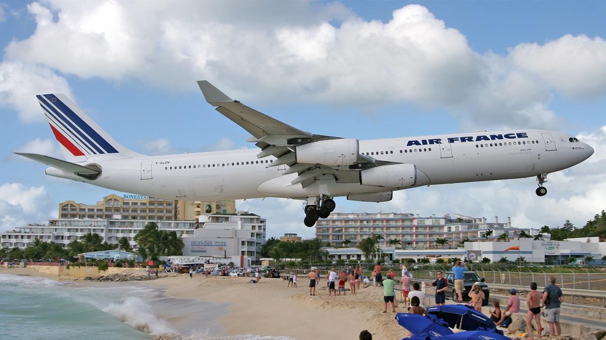 943454-air-france-airbus-a340